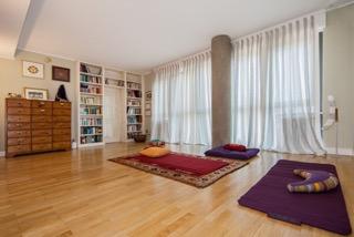 Daniela Cristofori psicologa, psicoterapeuta, insegnante hatha yoga